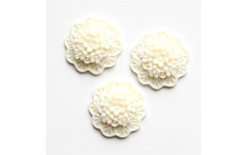 "Akrilinis kabošonas ""Balta gėlė"", 1vnt."