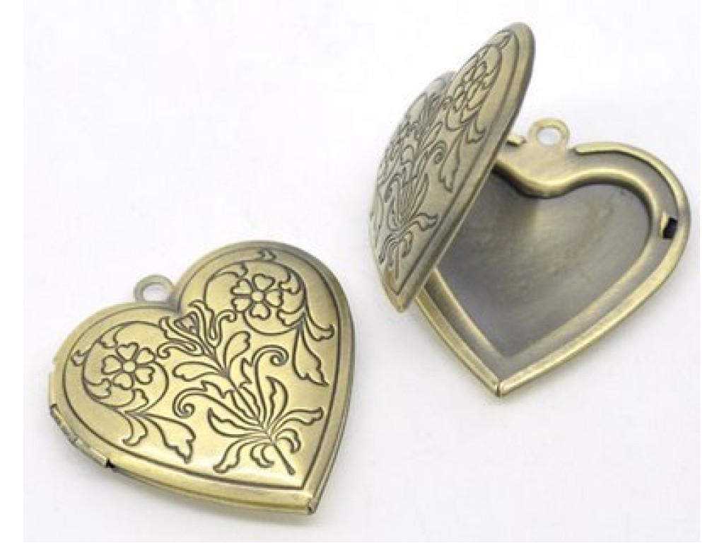 """Metalinis pakabukas """"Žalvario Medalionas Širdis su ornamentu"""", 1vnt."""