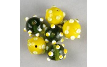 """Stikliniai taškuoti apvalūs karoliukai """"Green Yellow"""", 5vnt."""