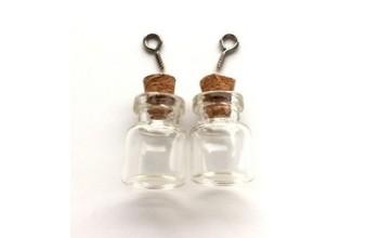 Stiklinis buteliukas su kamšteliu ir kilpele pakabinimui 15x22mm, 1vnt.